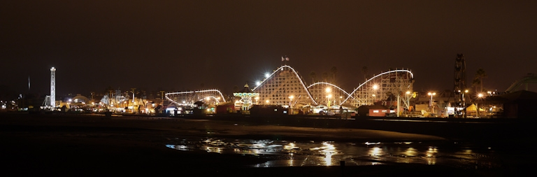 santa cruz boardwalk night time